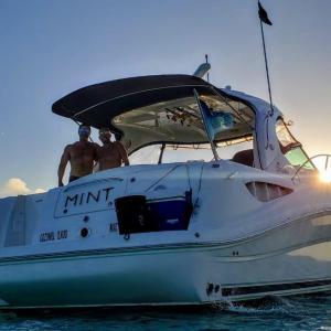 cozumel-island%2c-private-boats%2c-yachts%2c-catamarans%2c-private-boat-rentals%2c-deluxe-private-boats%2c-el-cielo-25.jpg