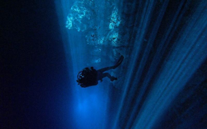 Queloniandivers Cave